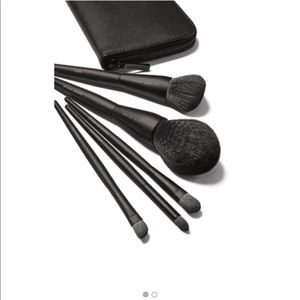 Mary Kay Essential 5 piece Brush Set